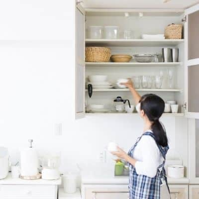 Cleaning hacks and myths. 8 tips for a clean kitchen. 8 of the best tips for a clean kitchen that will make your cleaning easier? These kitchen cleaning tips will make cleaning your kitchen easy.
