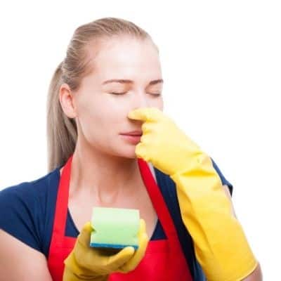 To reduce the growth of bacteria that is the leading cause of a smelly kitchen sponge, it's recommended you throw your sponge out every two weeks. These 10 absolutely easy ways to clean a smelly kitchen sponge will keep your sponges smelling fresh as the day you bought them.